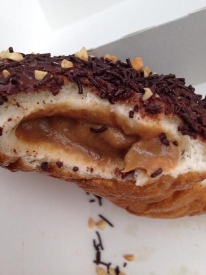 Snickers Doughnut, DomNuts
